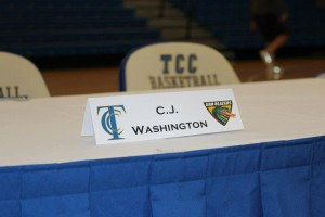 "Chris ""CJ"" Washington Signs with Univ. of Alabama-Birmingham"